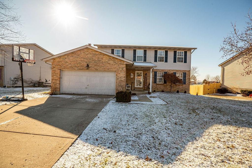 Property for sale at 811 W Aberdeen Drive, Trenton,  Ohio 45067