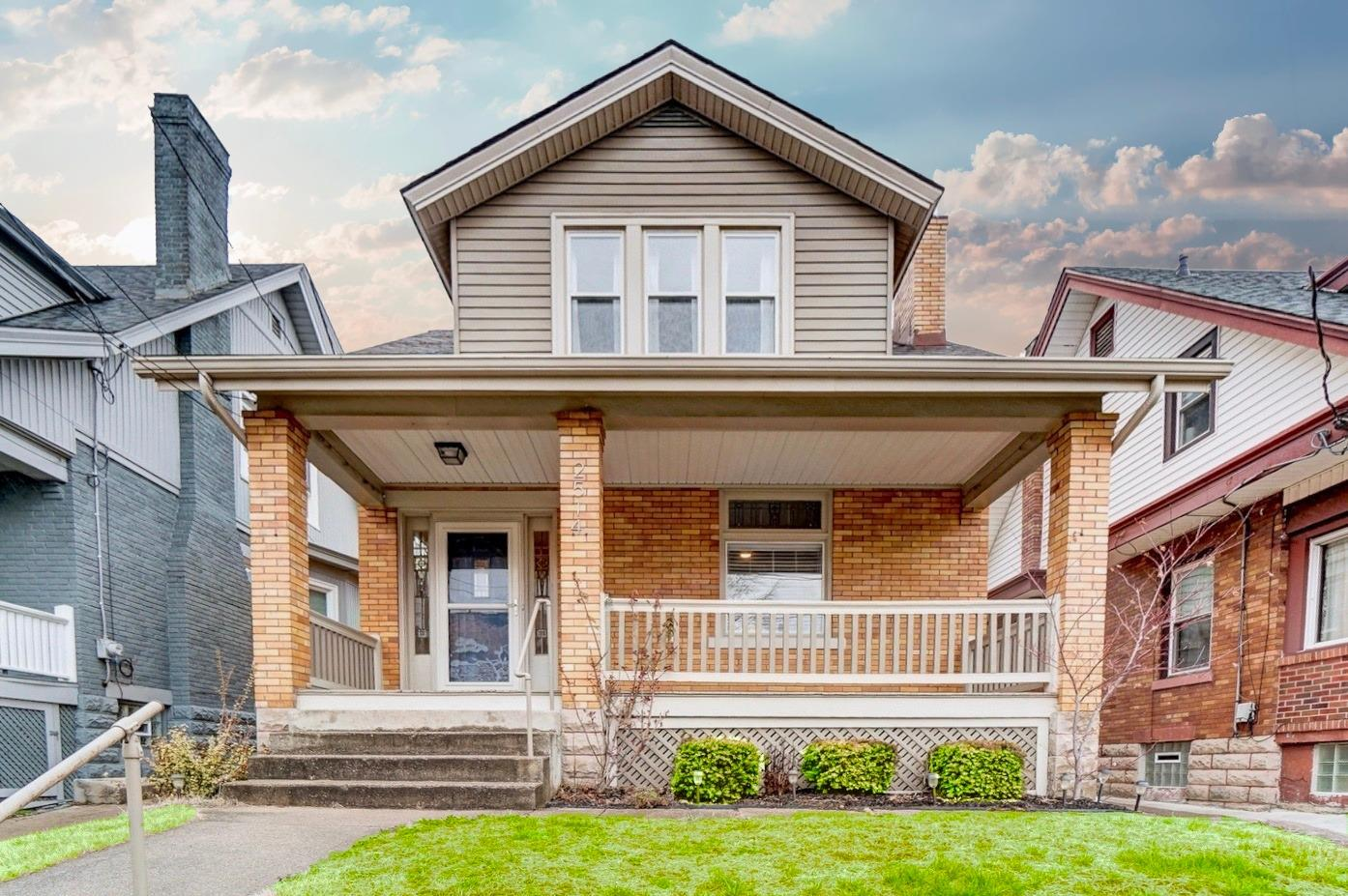 Property for sale at 2514 Shanmoor Avenue, Norwood,  Ohio 45212