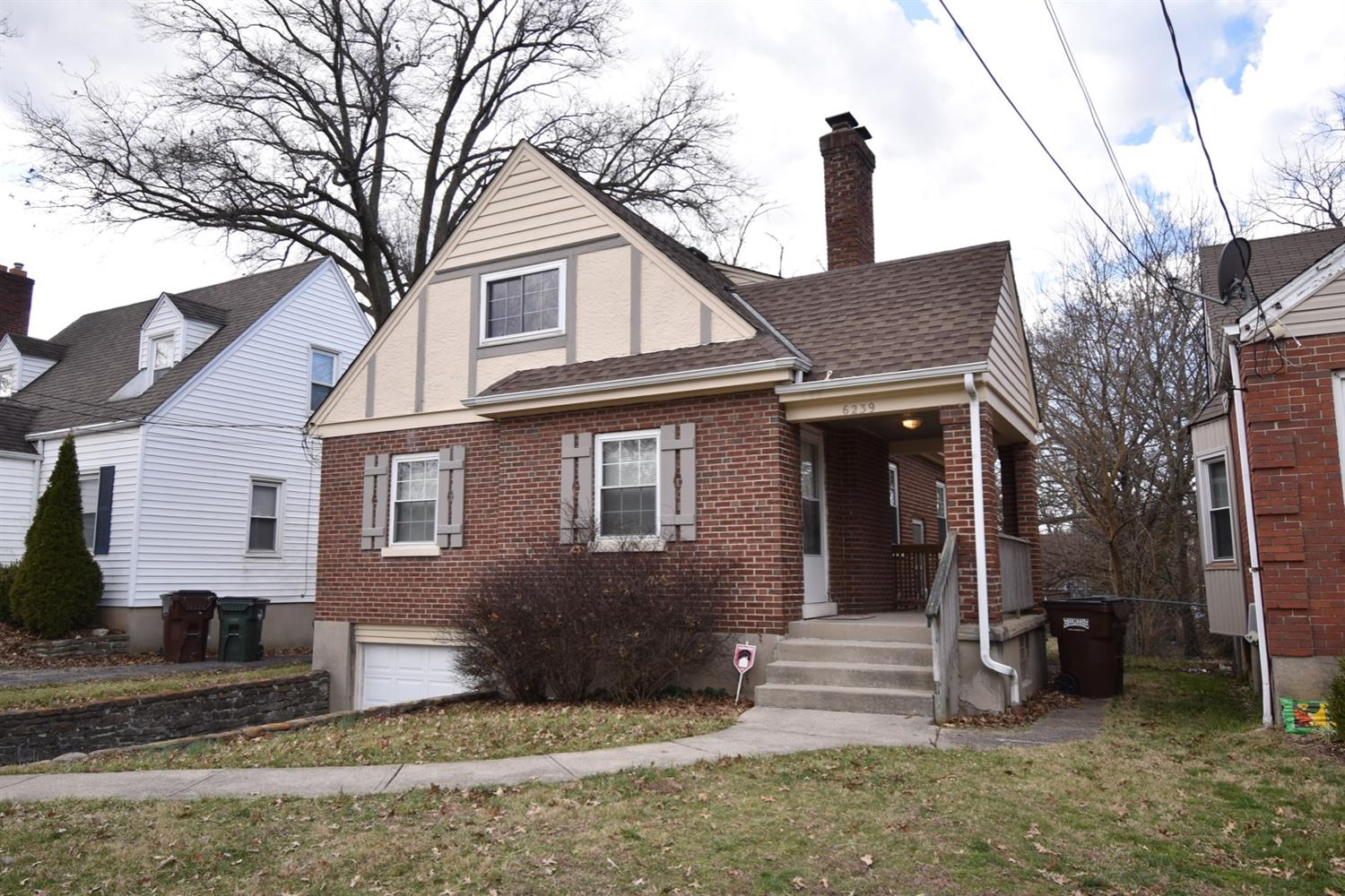Property for sale at 6239 Graceland Avenue, Golf Manor,  Ohio 45237