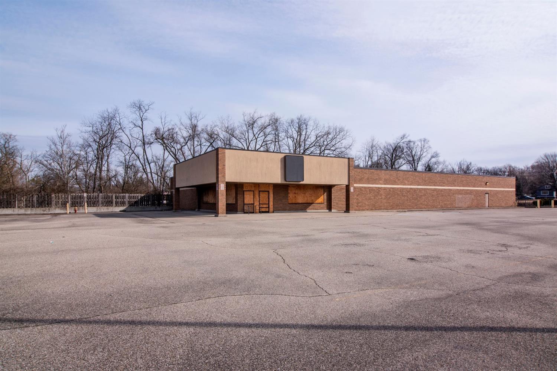 Property for sale at 2550 W Galbraith Road, Colerain Twp,  Ohio 45239