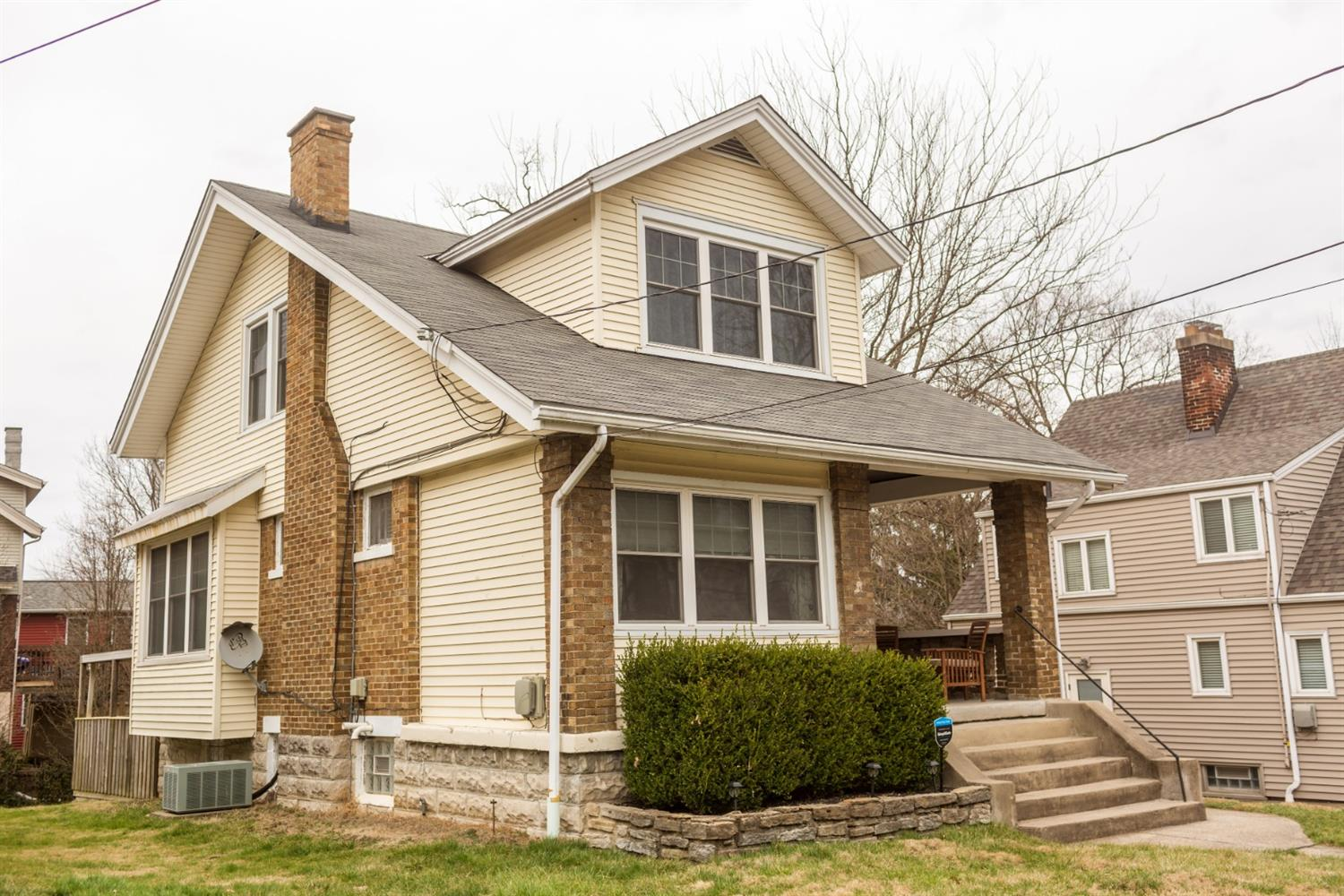 Property for sale at 2586 Irving Place, Norwood,  Ohio 45212