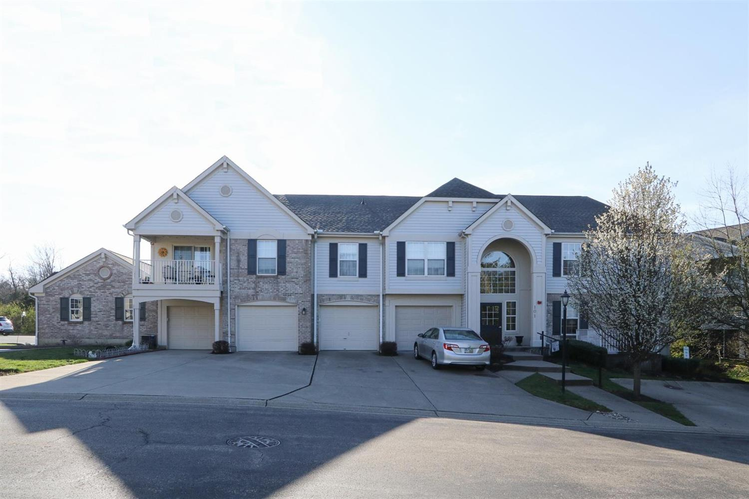 Property for sale at 101 Postoak Lane Unit: A, Milford,  Ohio 45150