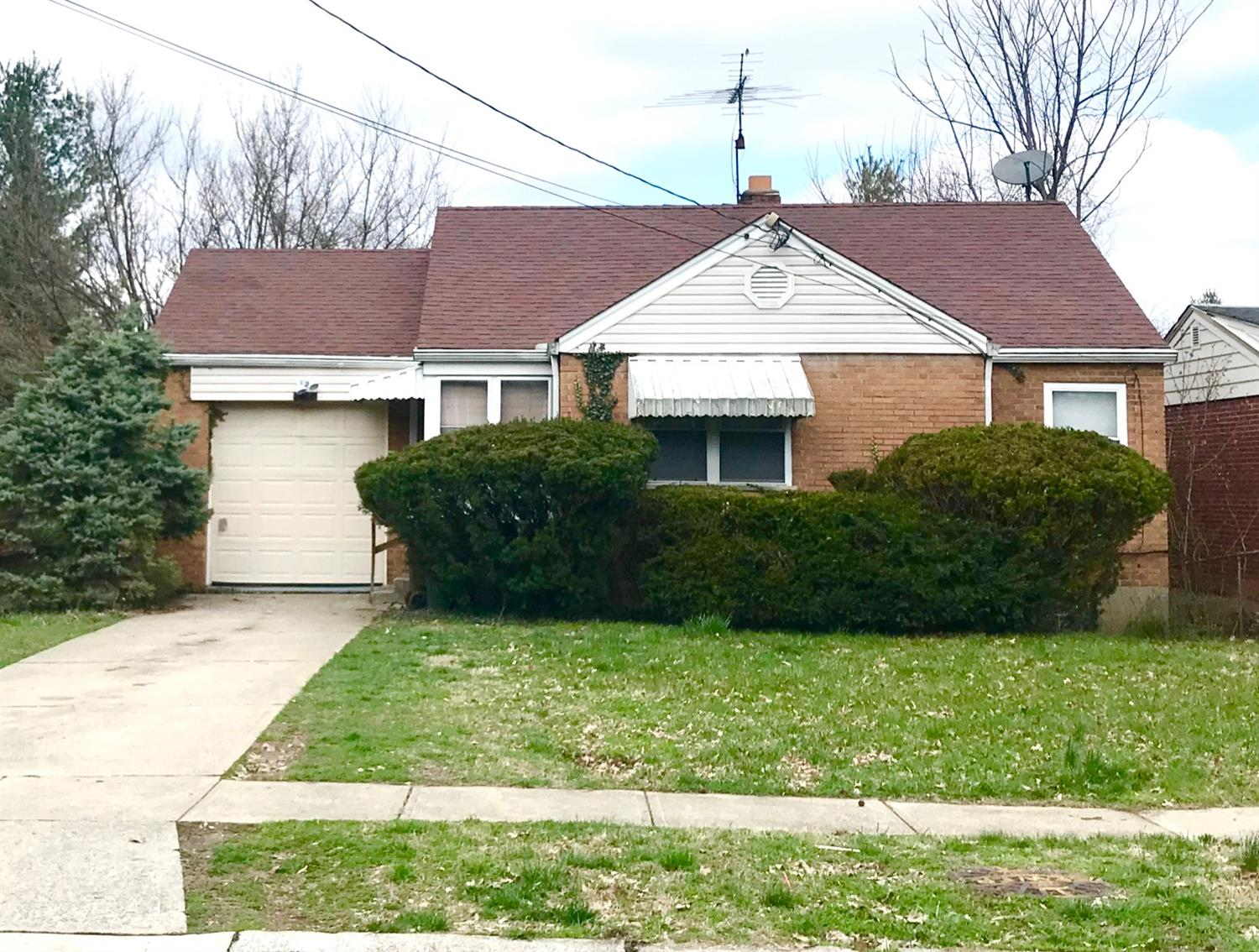 Property for sale at 2438 Ardmore Avenue, Golf Manor,  Ohio 45237