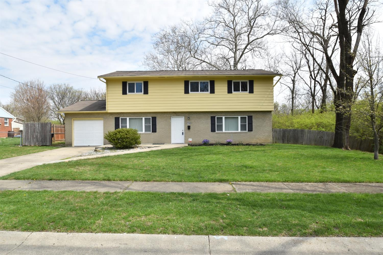 Property for sale at 11646 Neuss Avenue, Springdale,  Ohio 45246