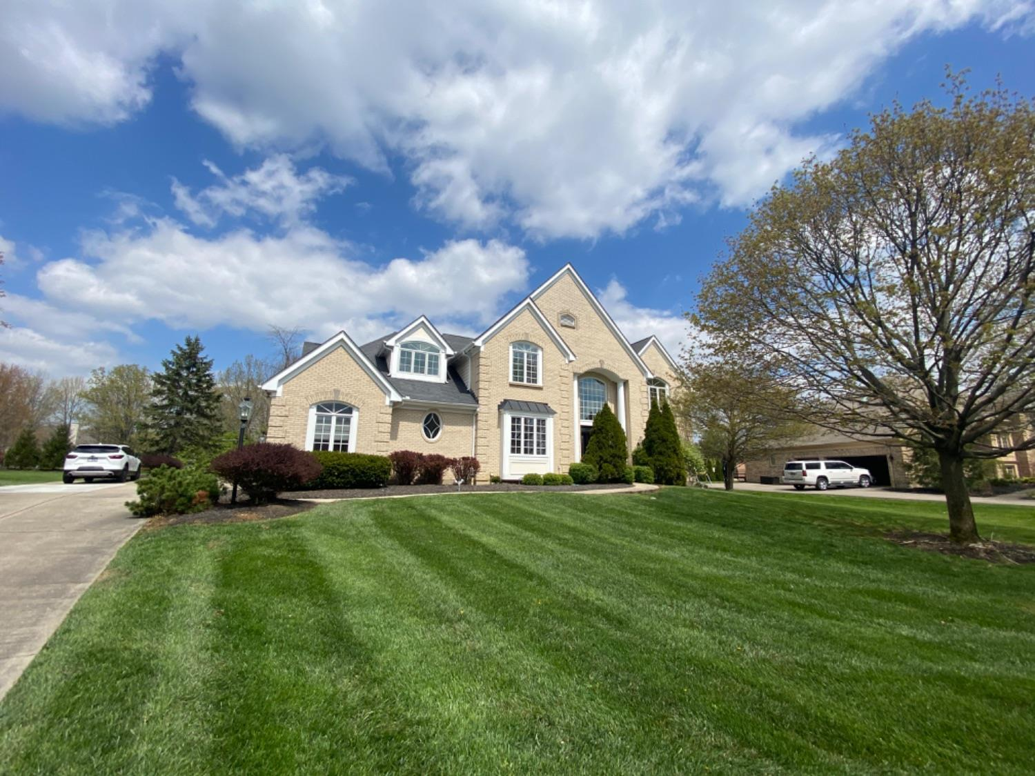 Property for sale at 8198 Bridlemaker Lane, Sycamore Twp,  Ohio 45249