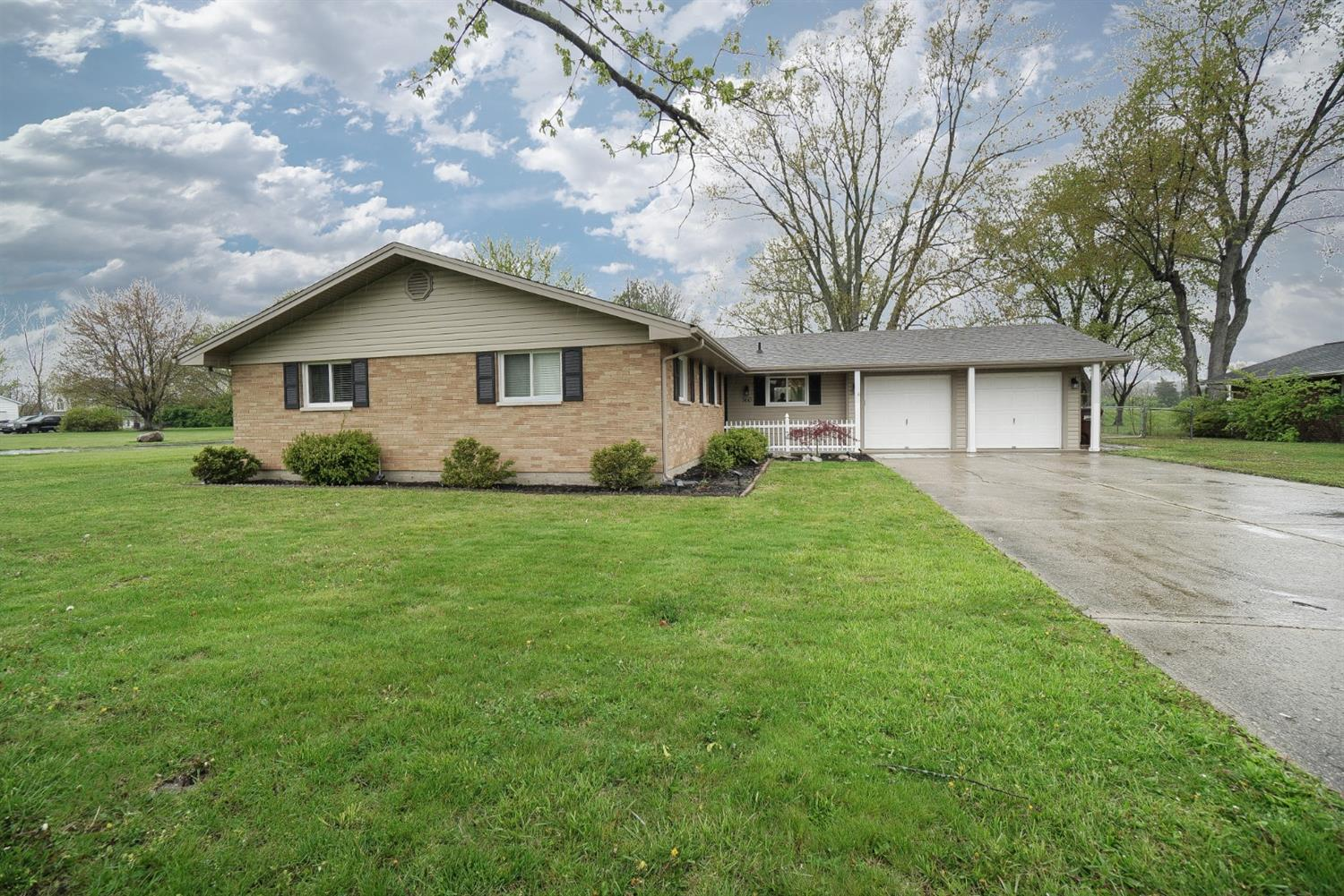 Property for sale at 860 Miller Road, Lebanon,  Ohio 45036