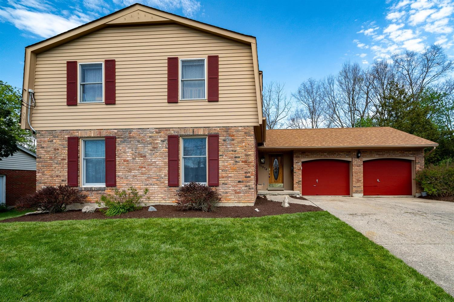 Property for sale at 11974 Cedarcreek Drive, Springfield Twp.,  Ohio 45240