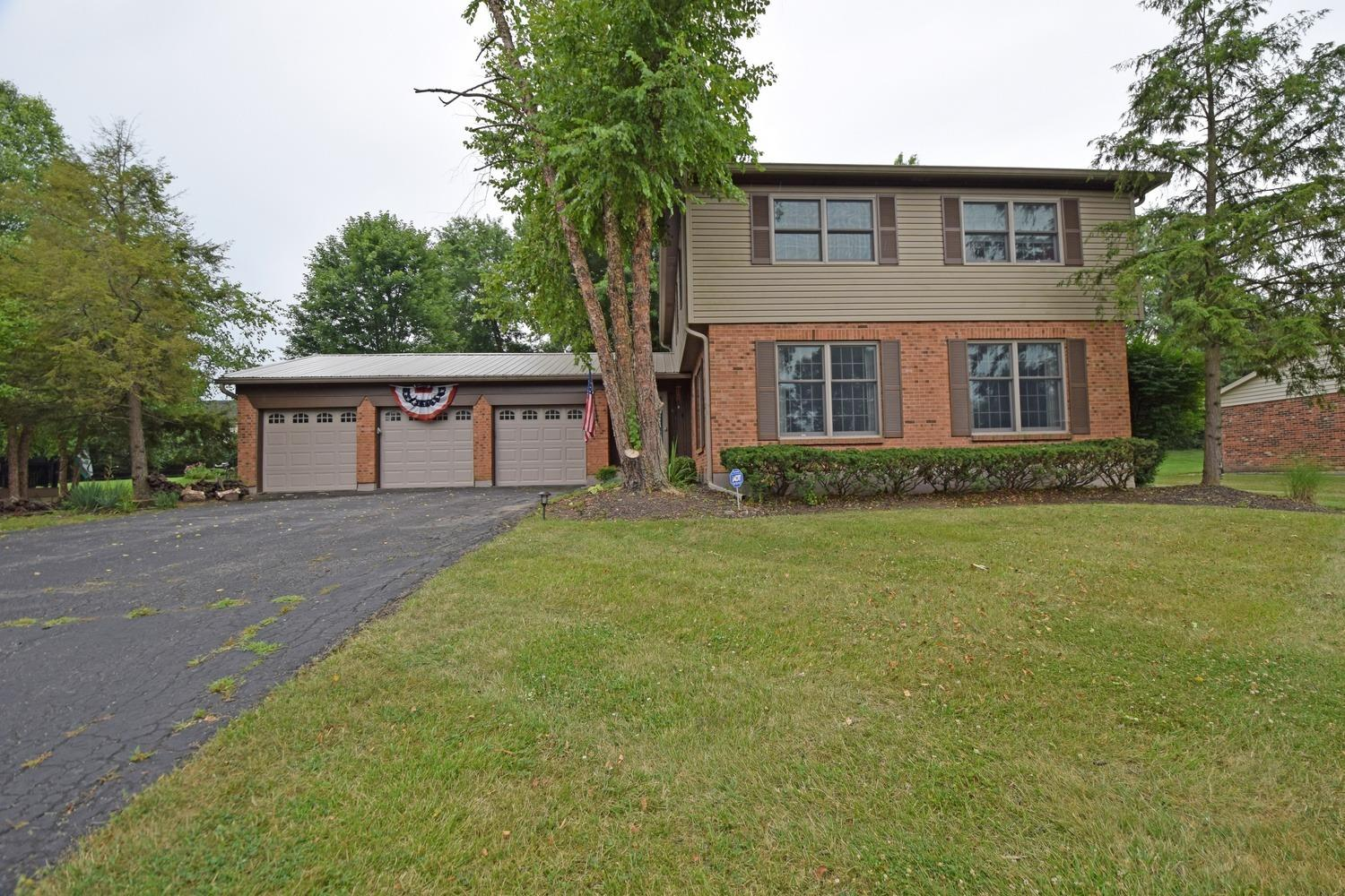 Property for sale at 260 Saddleback Drive, Loveland,  Ohio 45140