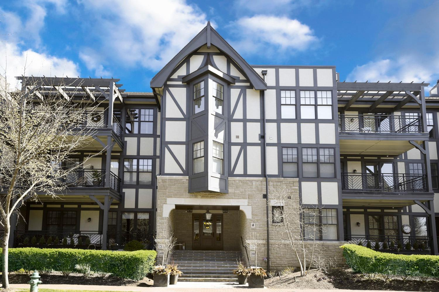 Property for sale at 3900 West Street Unit: 109, Mariemont,  Ohio 45227