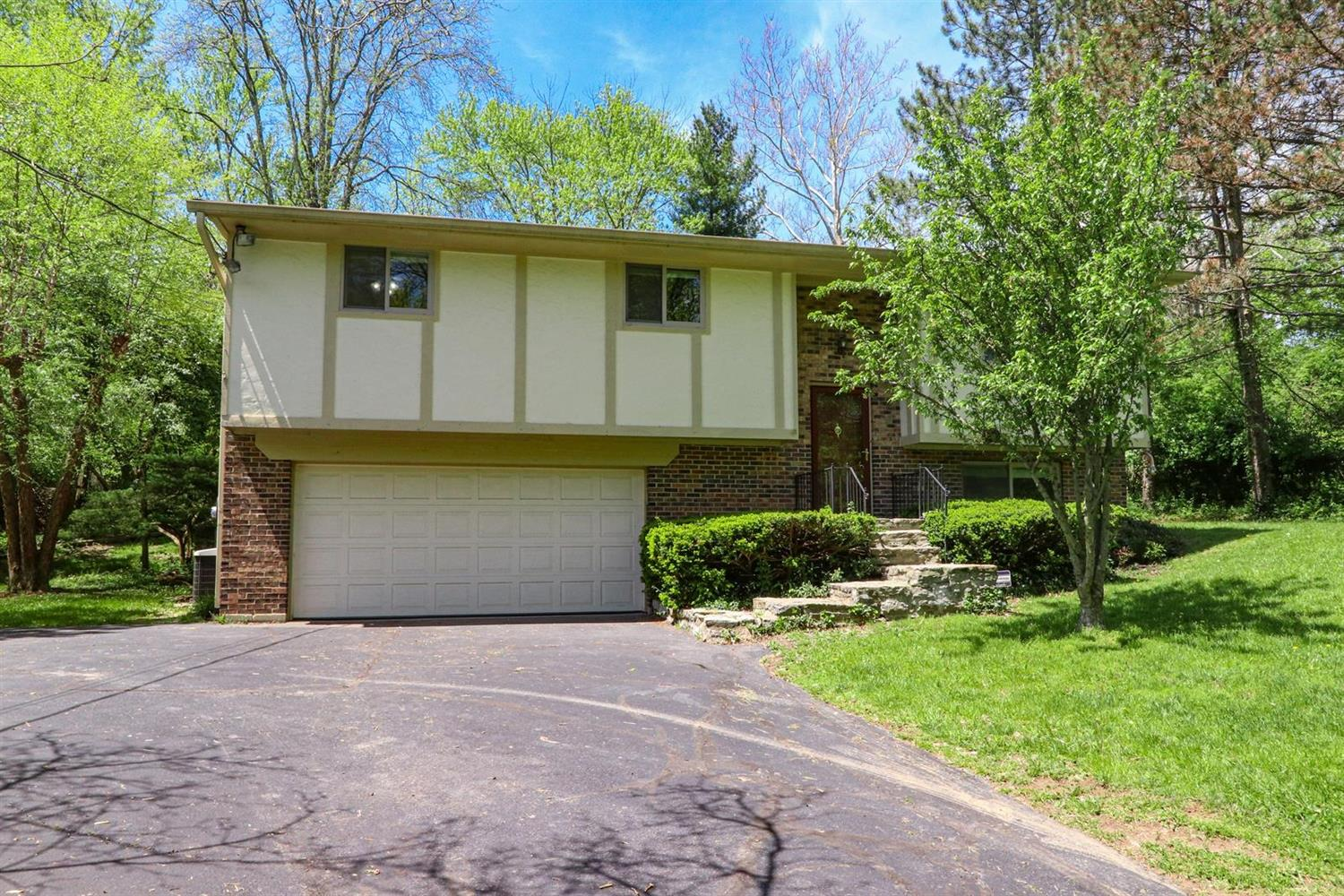 Property for sale at 10133 Leacrest Road, Springfield Twp.,  Ohio 45215