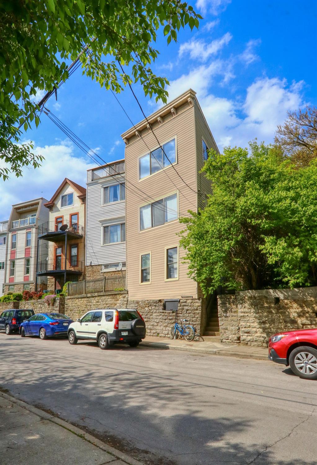 Property for sale at 604 Klotter Avenue, Cincinnati,  Ohio 45214