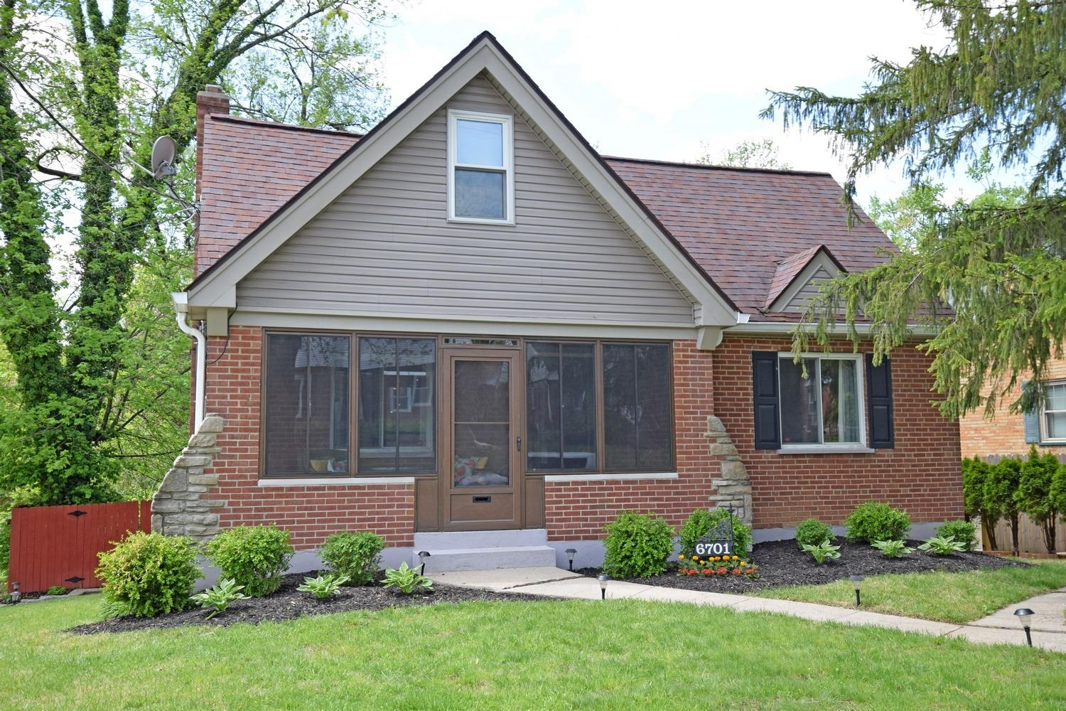 Property for sale at 6701 Elwynne Drive, Silverton,  Ohio 45236