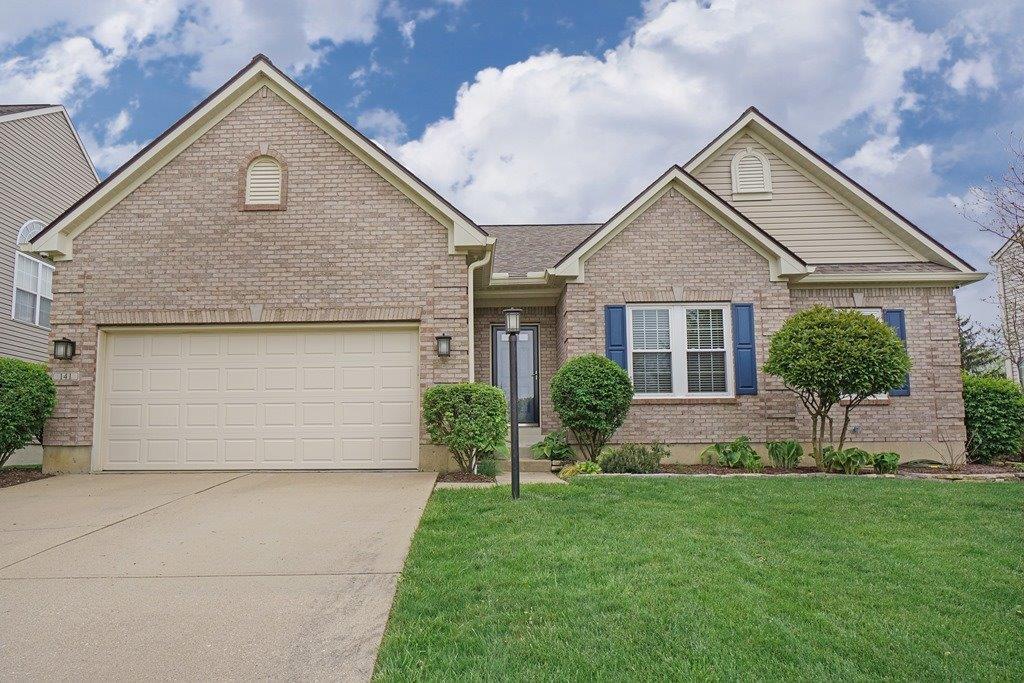 Property for sale at 141 Village Park Drive, Lebanon,  Ohio 45036