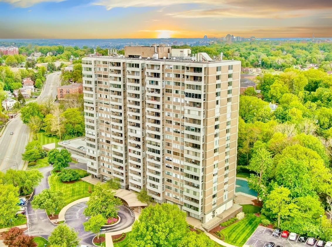 Property for sale at 2324 Madison Road Unit: 2002, Cincinnati,  Ohio 45208