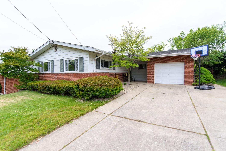Property for sale at 353 Glen Oaks Drive, Delhi Twp,  Ohio 45238