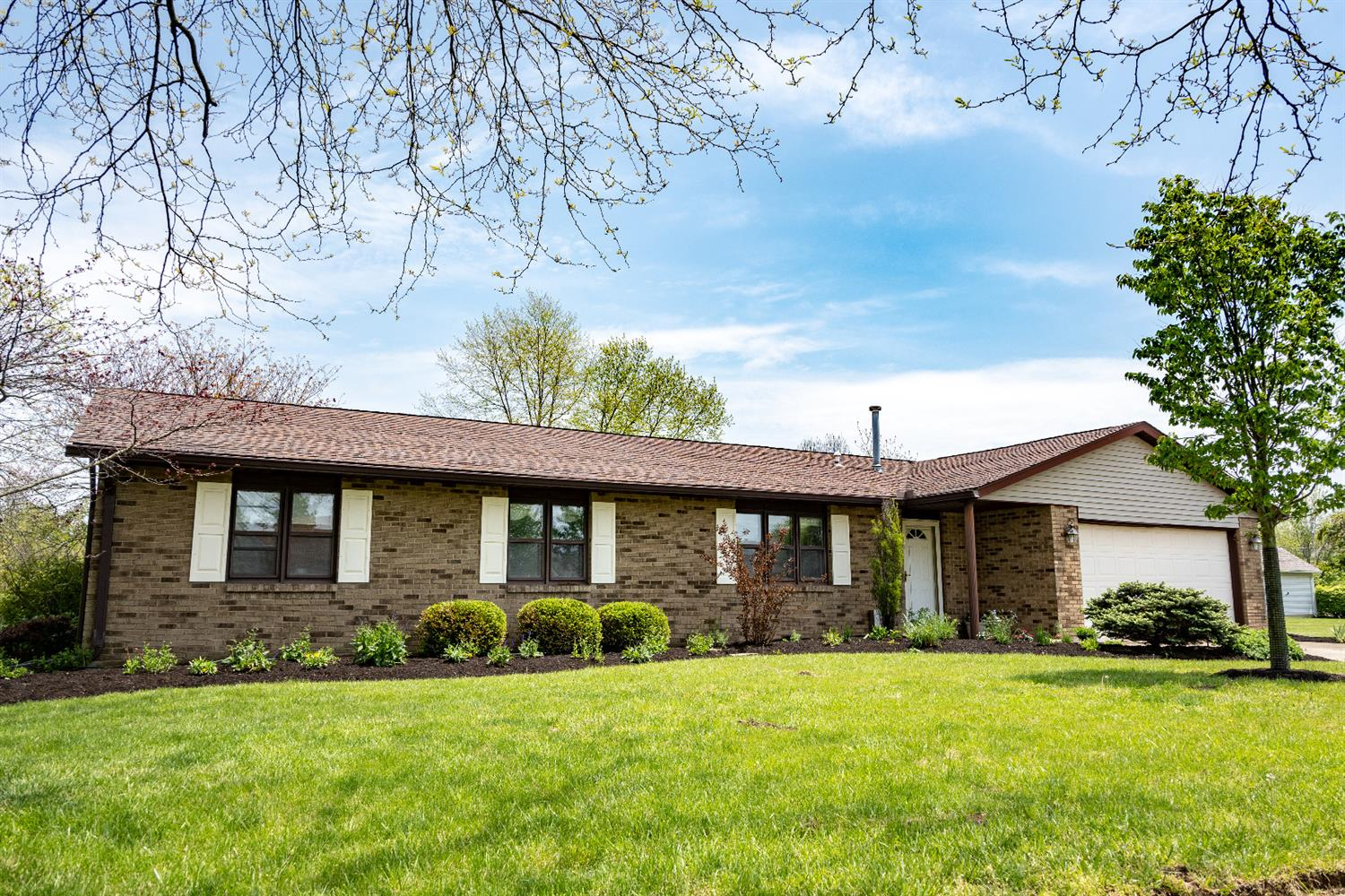 Property for sale at 43 Jeffrey Circle, Oxford,  Ohio 45056