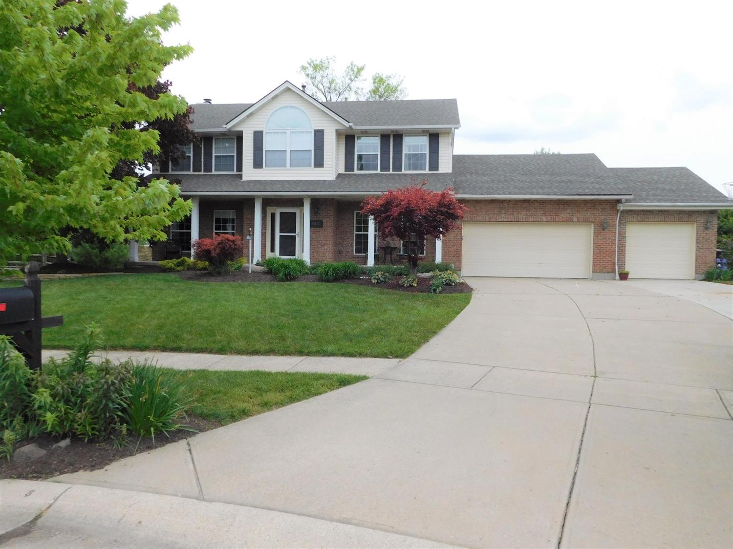 Property for sale at 8574 Charleston Woods Drive, Deerfield Twp.,  Ohio 45040