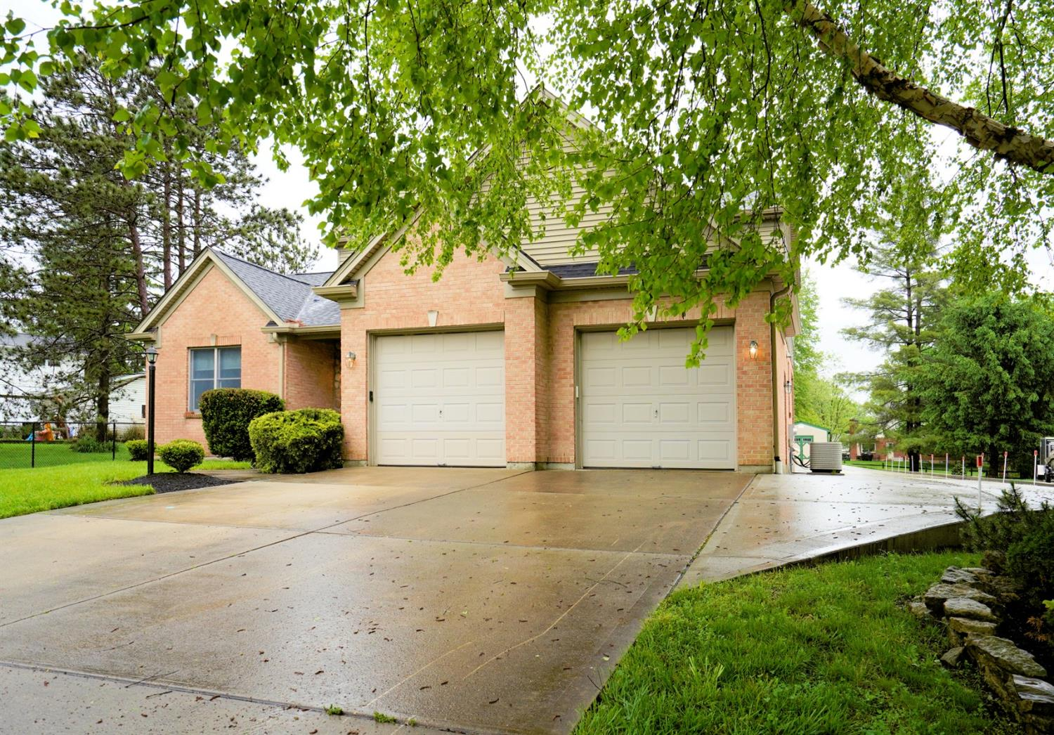316 Whispering Pines, Miami Twp, OH 45140