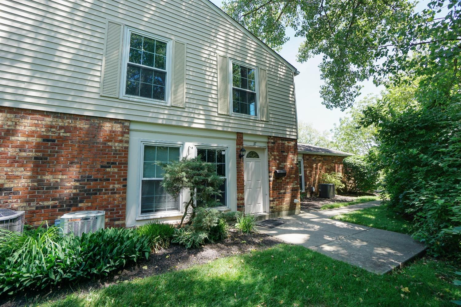 Property for sale at 37 Moonbeam Court, Fairfield,  Ohio 45014