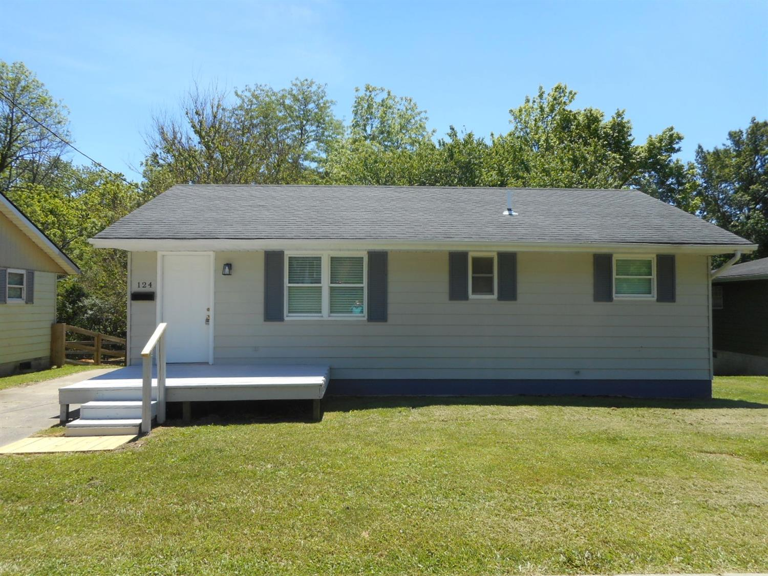 Property for sale at 124 Orchard View Lane, Blanchester,  Ohio 45107