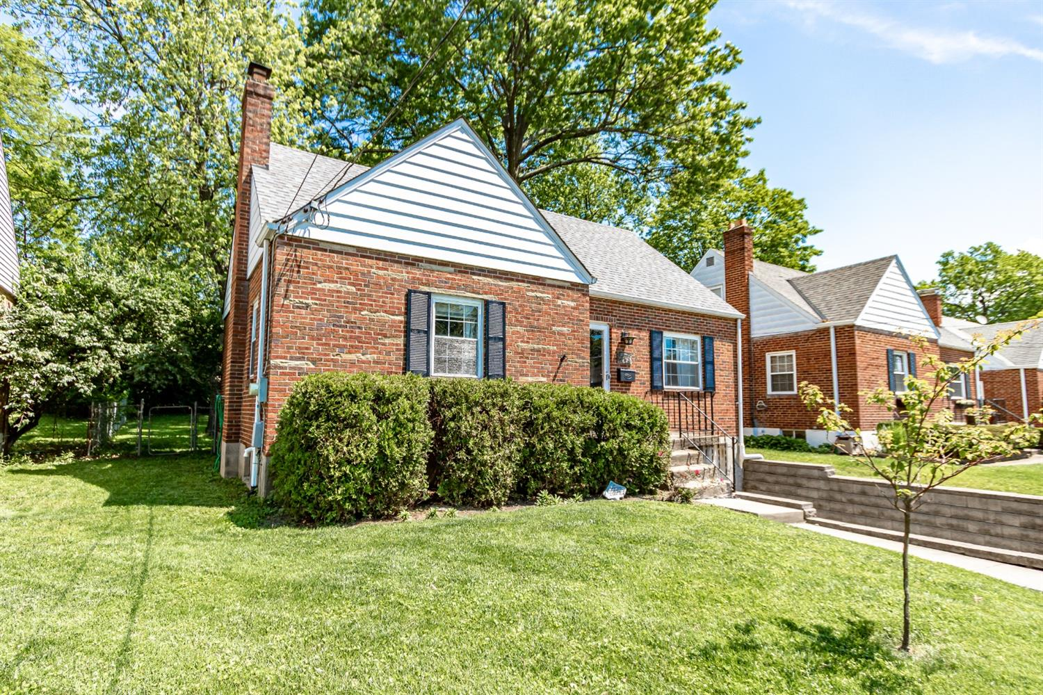 Property for sale at 4436 Clifford Road, Deer Park,  Ohio 45236