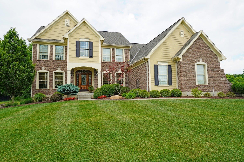 Property for sale at 555 Silverleaf Lane, Miami Twp,  Ohio 45140