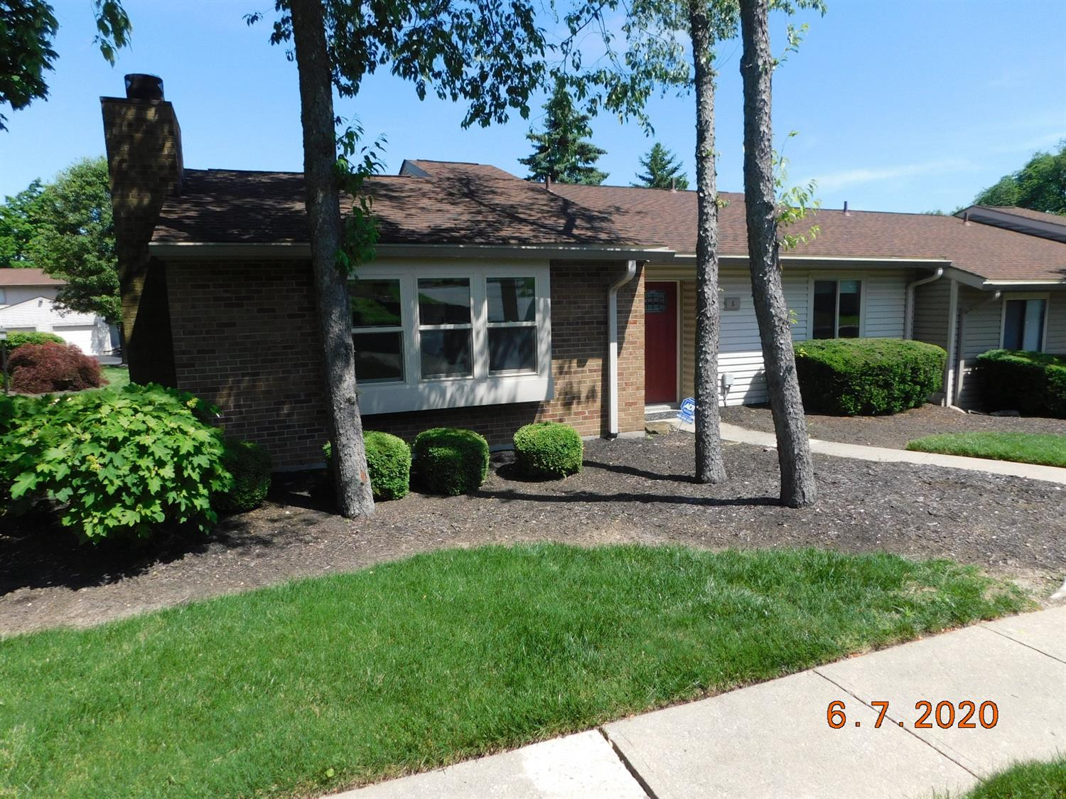 Property for sale at 5 Woodcrest Court, Springdale,  Ohio 45246