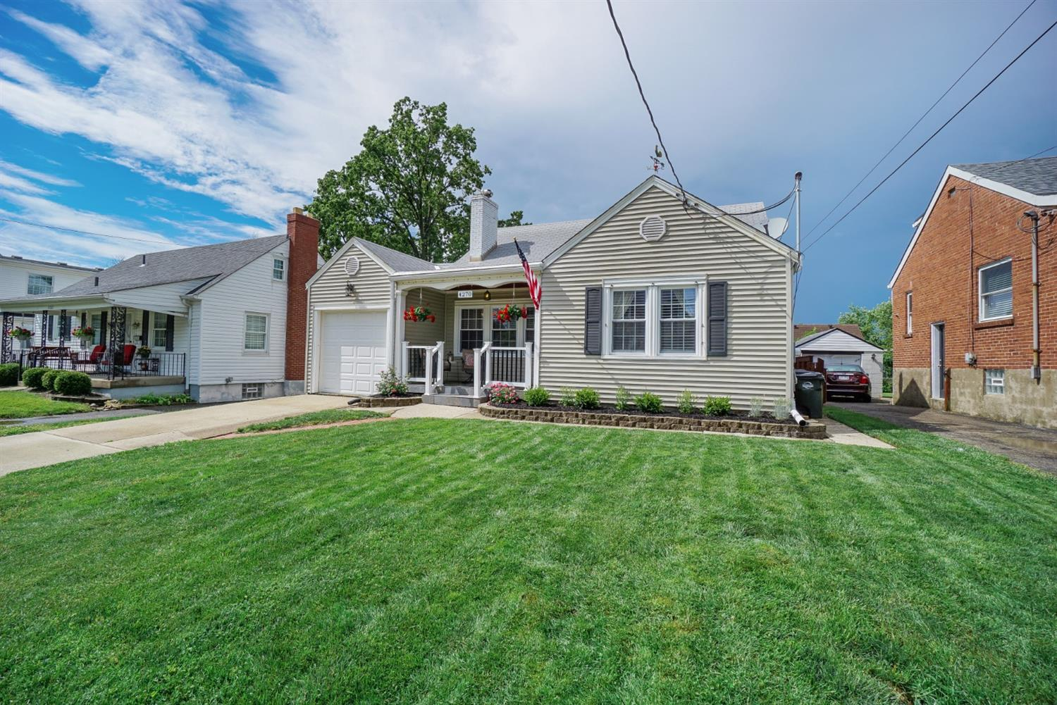 Property for sale at 4270 Clifford Road, Deer Park,  Ohio 45236