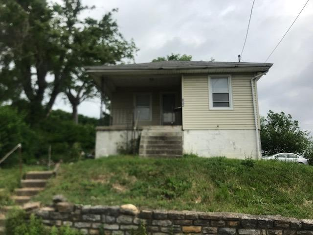 832 Chamberlain Avenue, Lincoln Heights, OH 45215