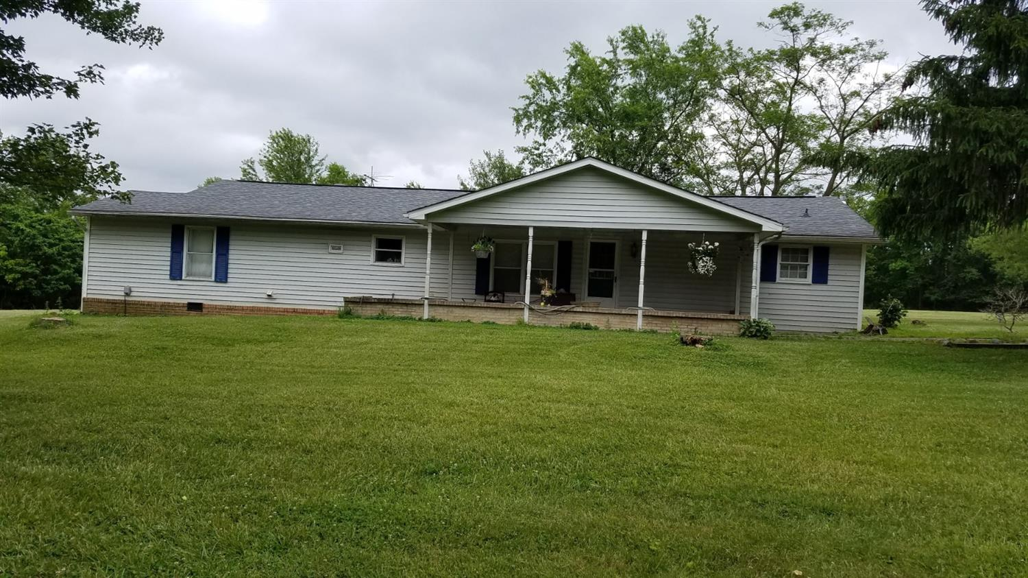 Property for sale at 1352 St Rt 222, Franklin Twp,  Ohio 45106