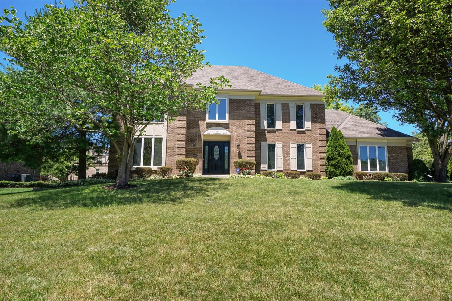 Property for sale at 10015 Pond Woods Lane, Sharonville,  Ohio 45241