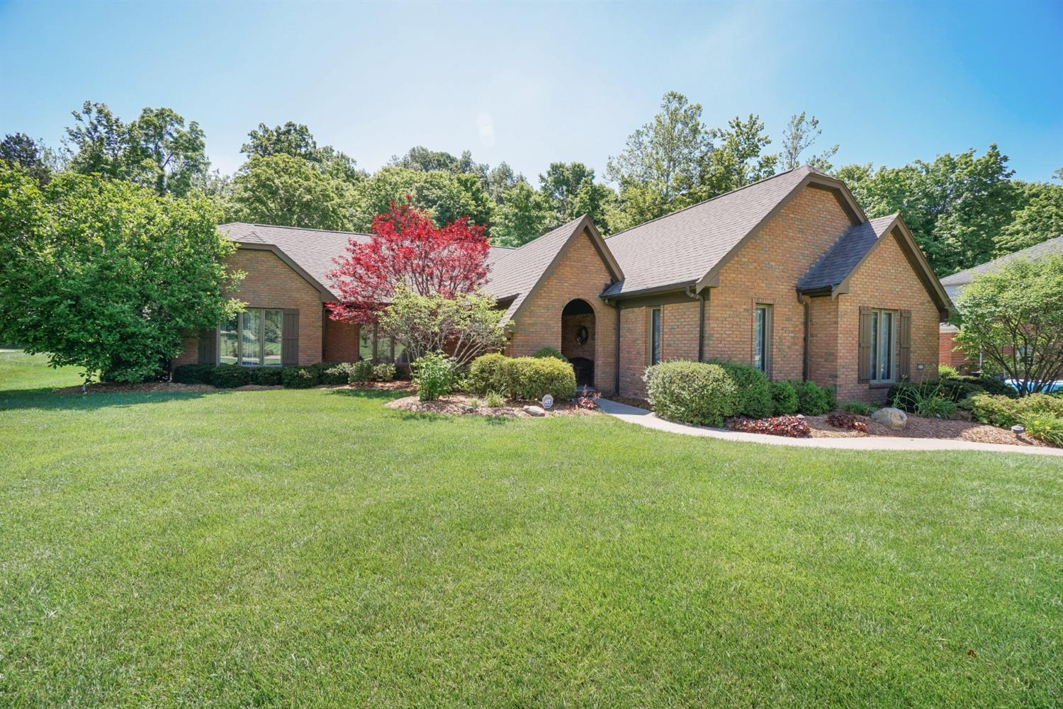 Property for sale at 5076 Pebblevalley Drive, Colerain Twp,  Ohio 45252
