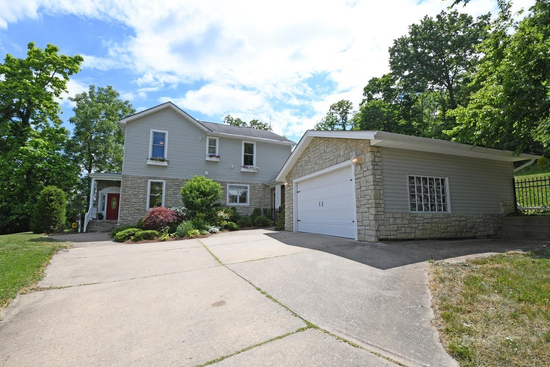 Property for sale at 555 Delta Terrace, Cincinnati,  Ohio 45226