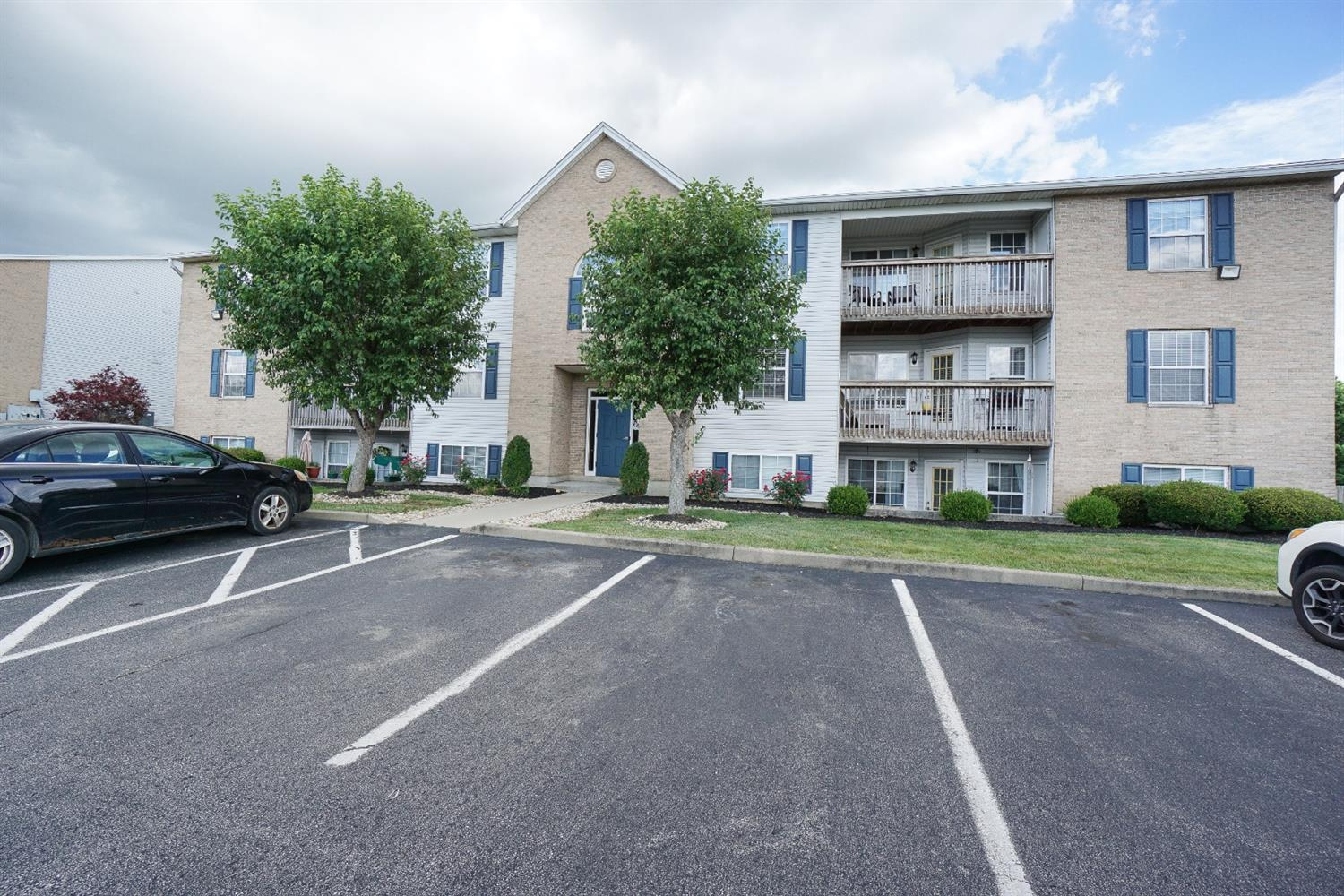 Property for sale at 100 Rough Way Unit: 6, Lebanon,  Ohio 45036