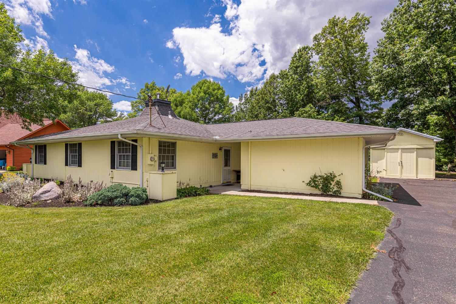 Property for sale at 20 Wagon Wheel Circle, Franklin Twp,  Ohio 45171
