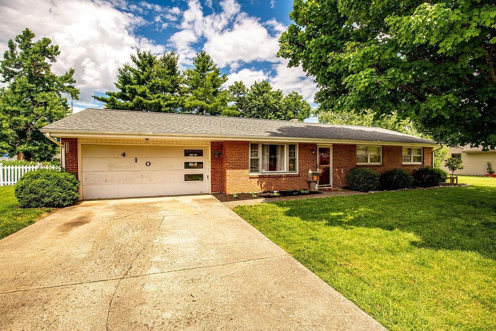 Property for sale at 410 Hemlock Drive, Trenton,  Ohio 45067