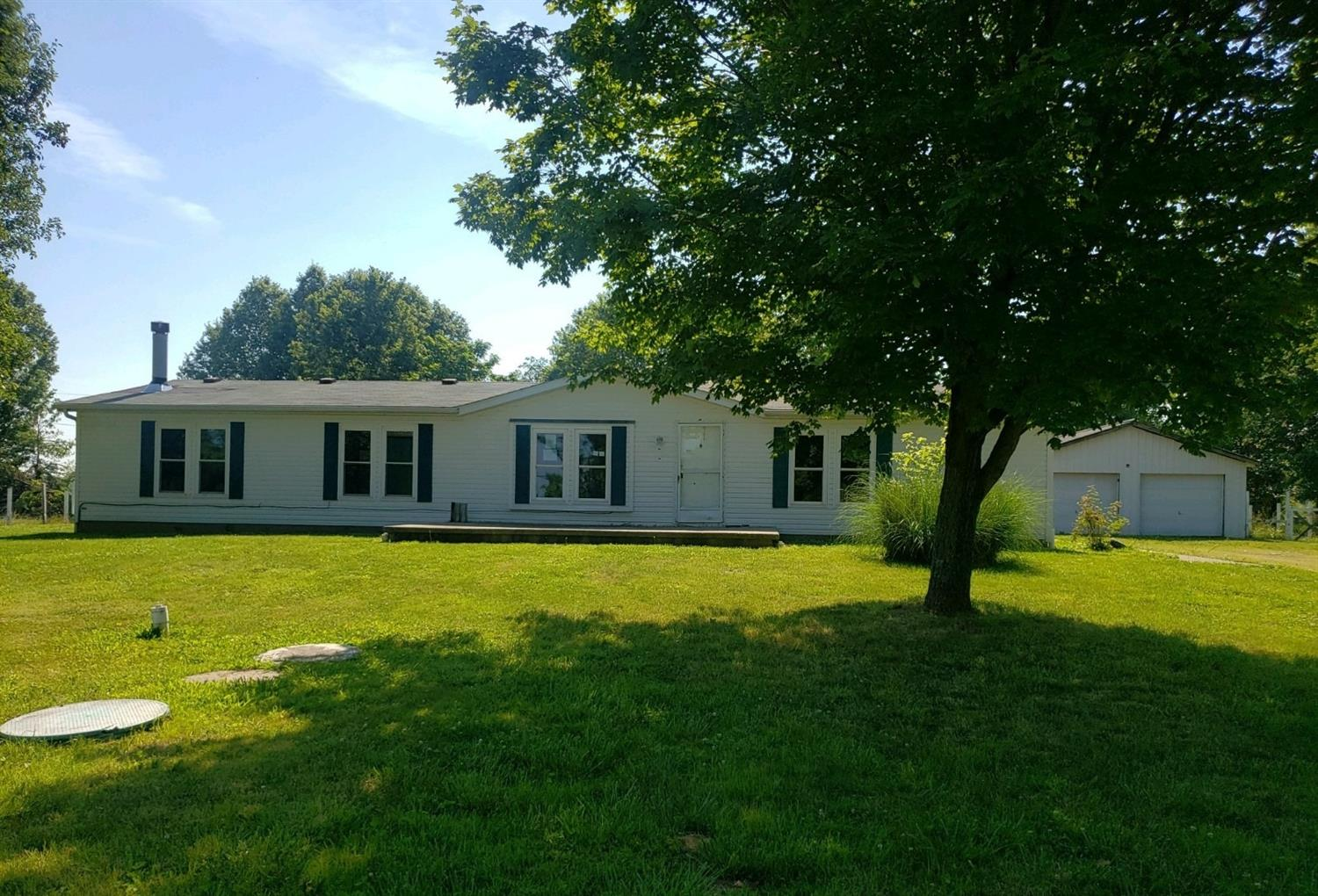 Property for sale at 1028 St Rt 222, Franklin Twp,  Ohio 45106