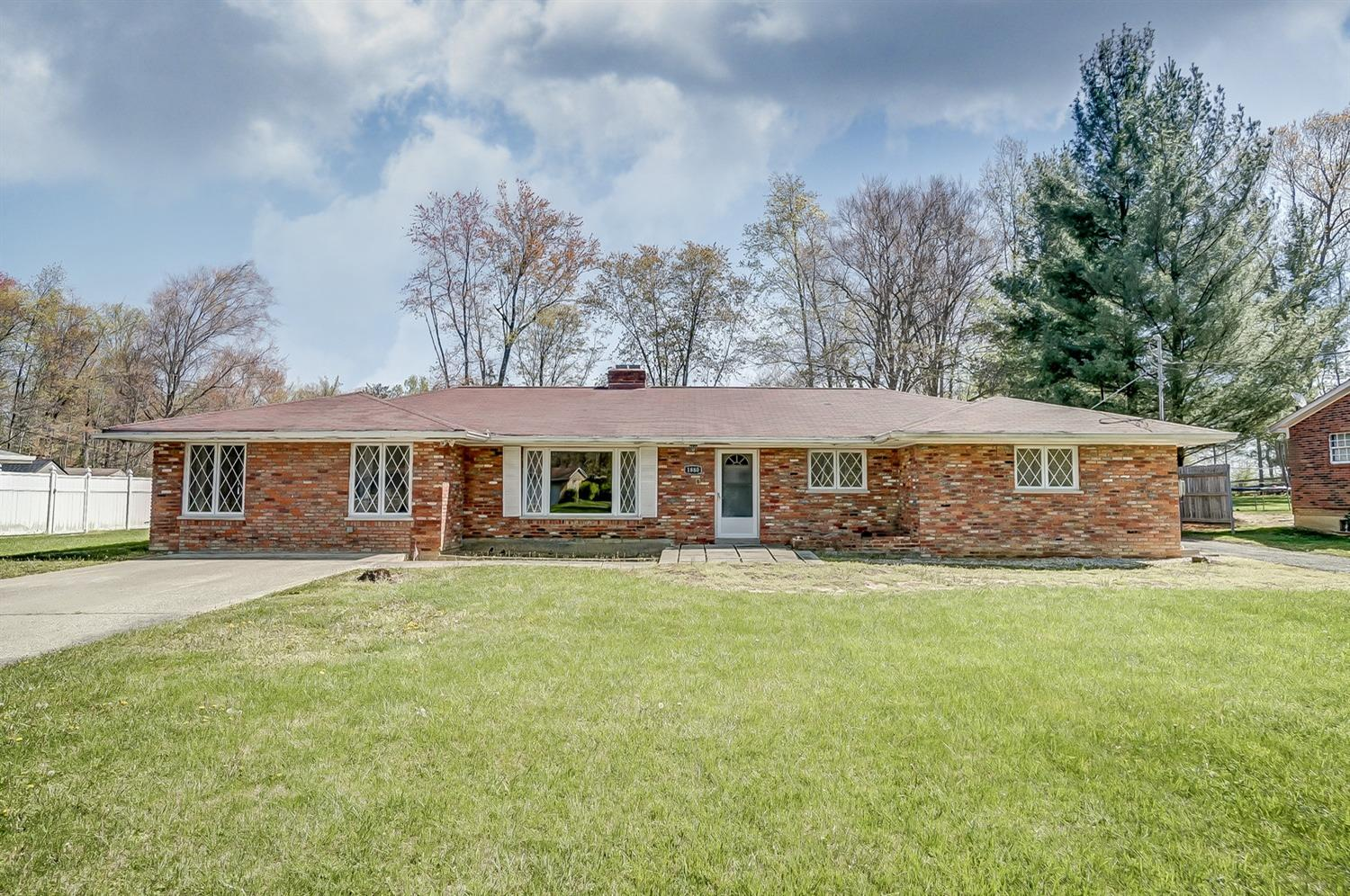 Property for sale at 1880 Karen Drive, Batavia,  Ohio 45103