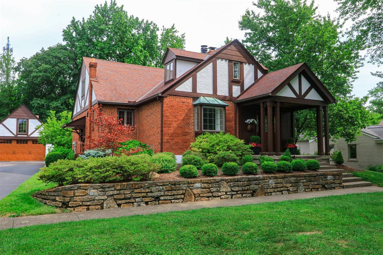 Property for sale at 7850 Finley Lane, Indian Hill,  Ohio 45242