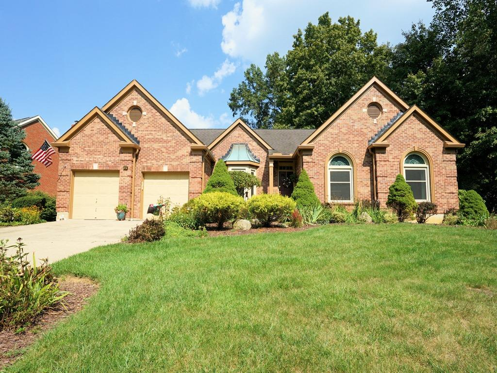 Property for sale at 112 Shingleoak Drive, Loveland,  Ohio 45140