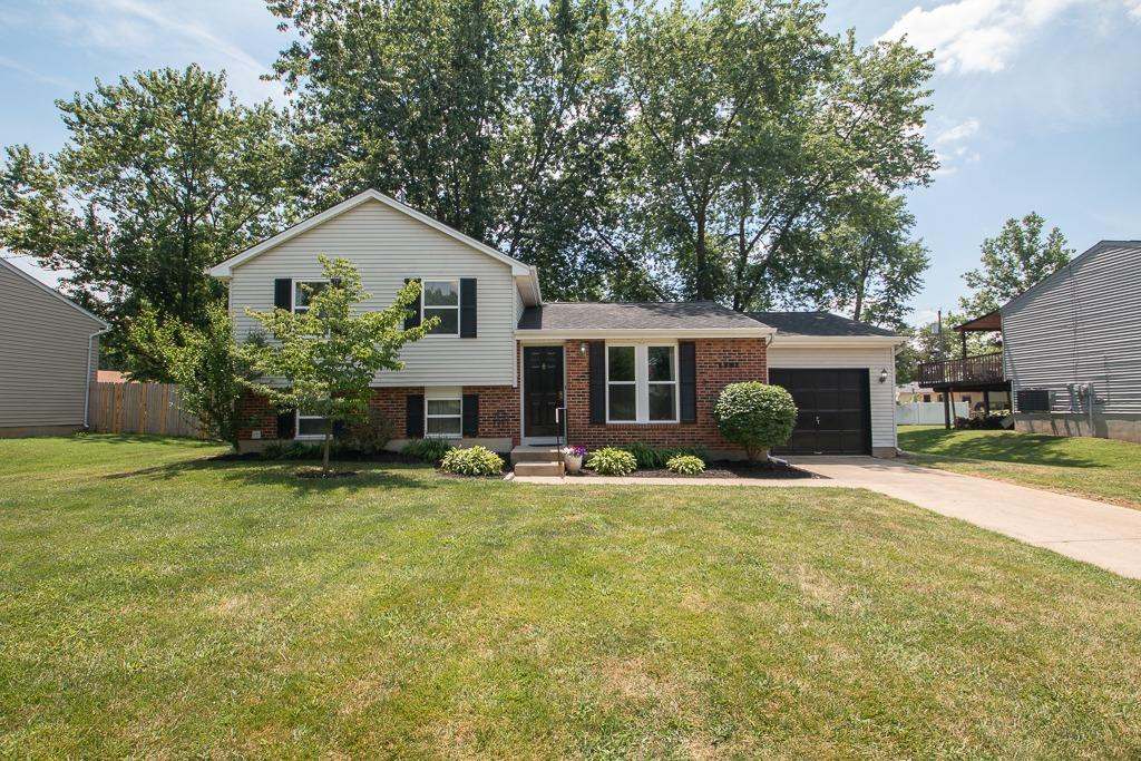 Property for sale at 1381 Firethorne Drive, Mason,  Ohio 45040