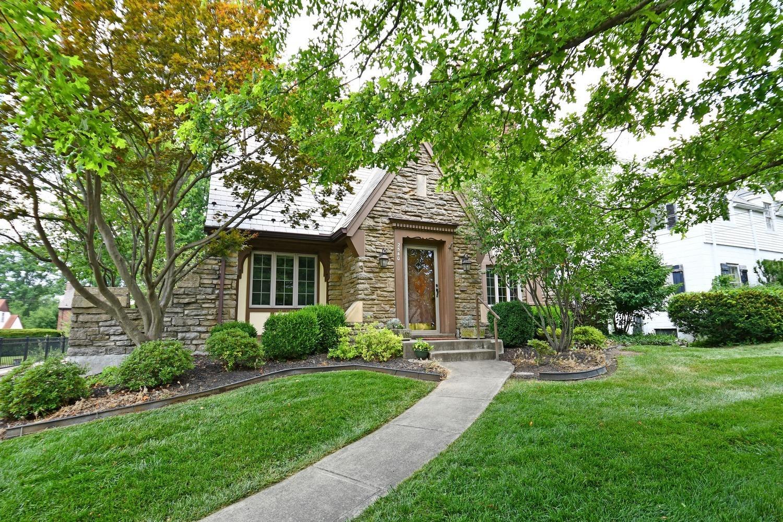 Property for sale at 2540 Briarcliffe Avenue, Cincinnati,  Ohio 45212