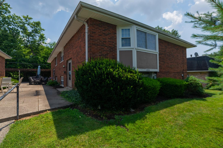 Property for sale at 6114 Ridgeacres Drive Unit: A, Golf Manor,  Ohio 45237