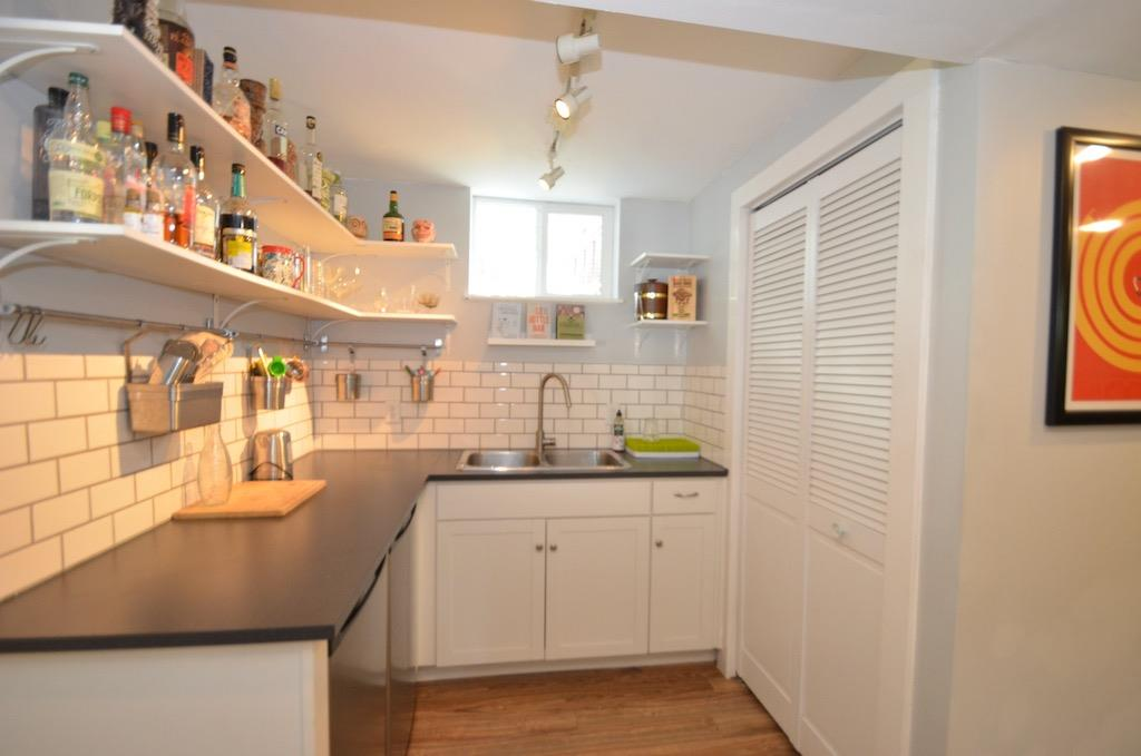 Kitchenette & Laundry & Bar ;)