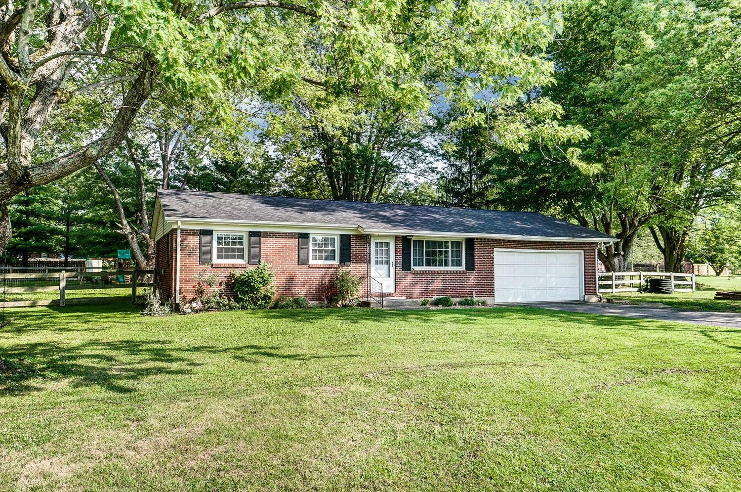 Property for sale at 7538 Rosewood Drive, Blanchester,  Ohio 45107