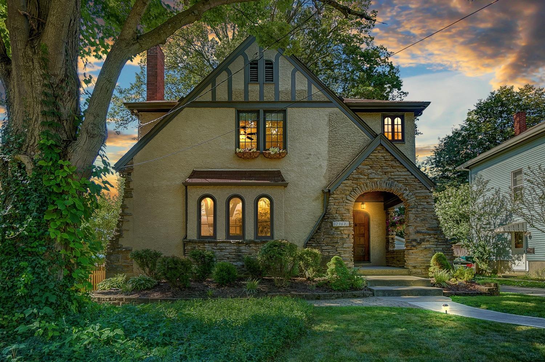 Property for sale at 2967 Douglas Terrace, Cincinnati,  Ohio 45212