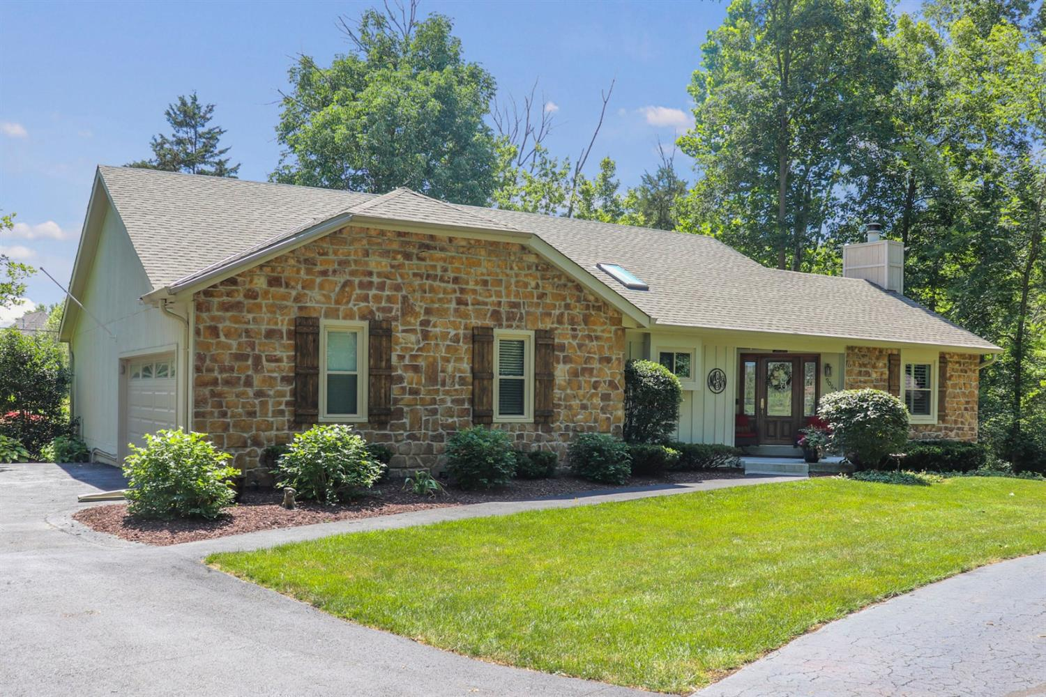 Property for sale at 9065 Symmes View Court, Symmes Twp,  Ohio 45140