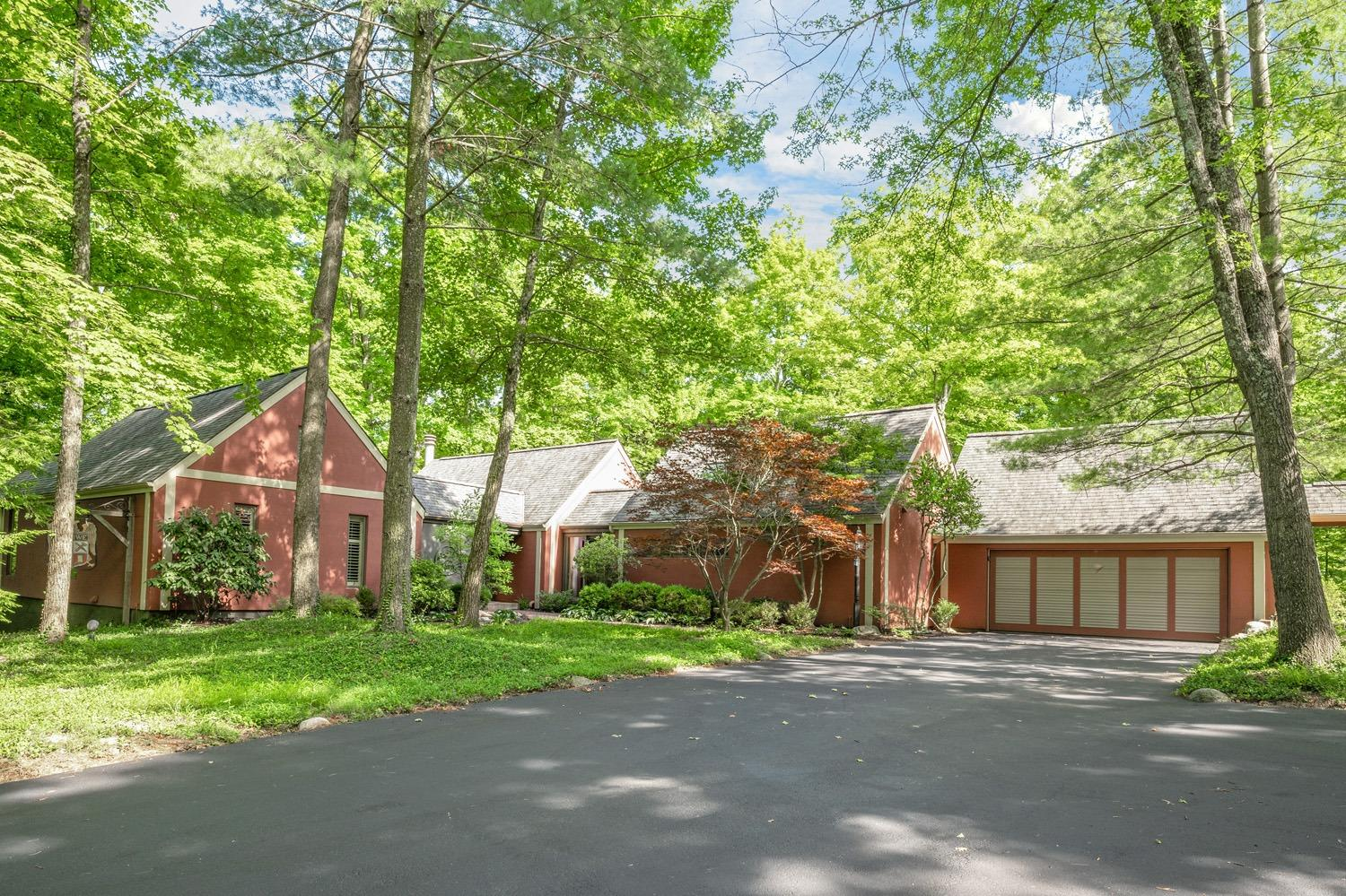 Property for sale at 8001 Graves Road, Indian Hill,  Ohio 45243