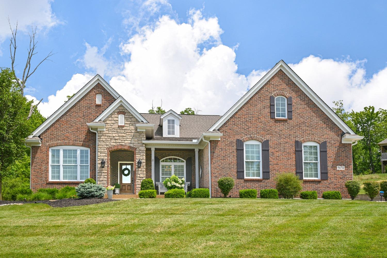 Property for sale at 5674 Hickory Place Drive, Green Twp,  Ohio 45247
