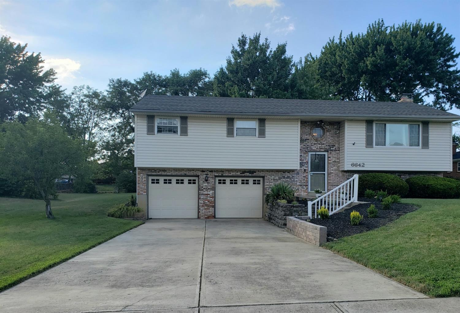 Property for sale at 6642 Hansbrinker Drive, Liberty Twp,  Ohio 45044